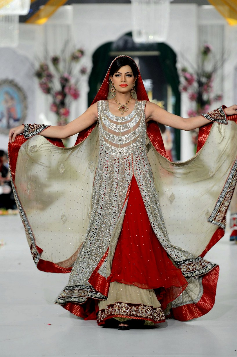 30 Elegant And Beautiful Frocks Designs Style Arena