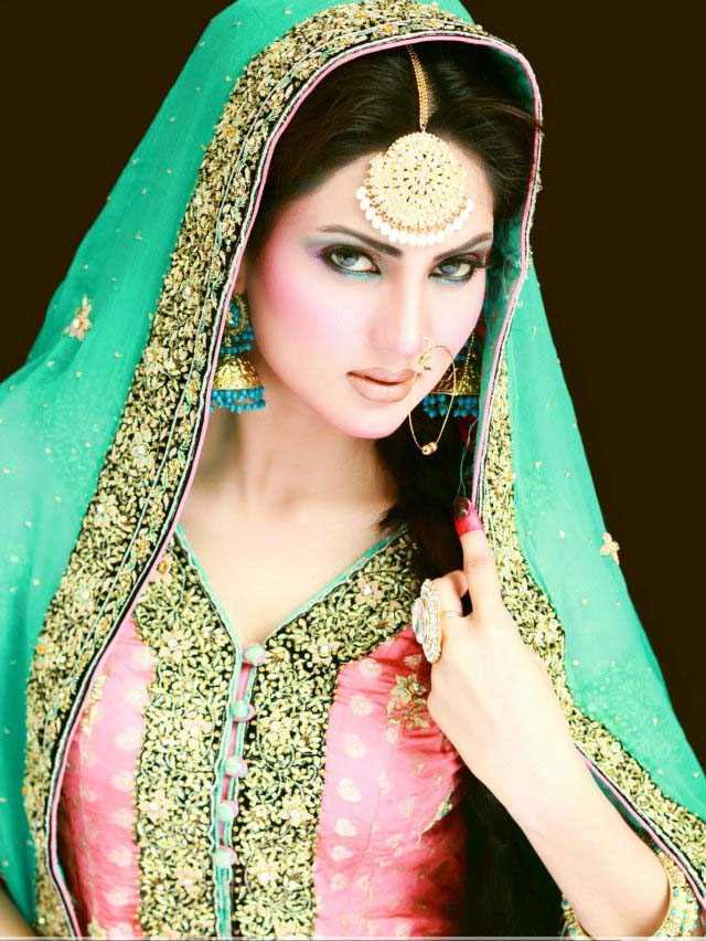 30+ Beautiful Pakistani Bridal Makeup Looks - Style Arena