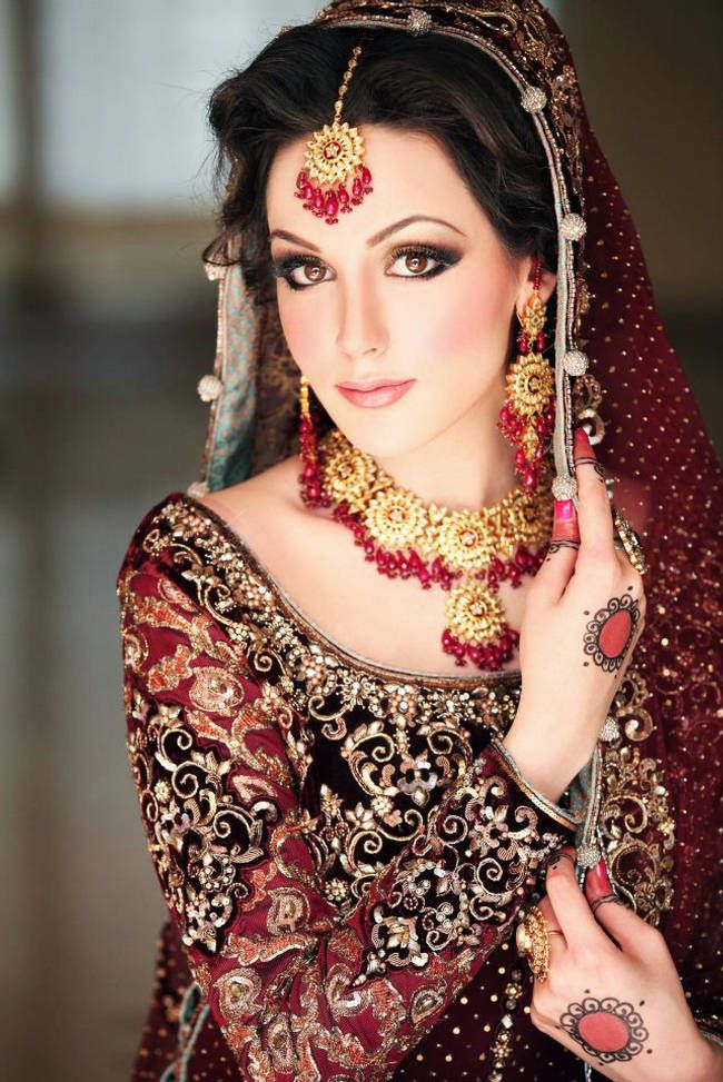 30+ Beautiful Pakistani Bridal Makeup Looks