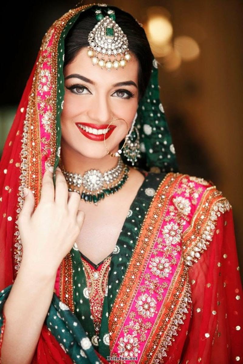Traditional Bridal Makeup Looks : 30+ Beautiful Pakistani Bridal Makeup Looks - Style Arena