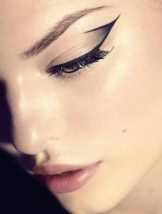 trendy winged eyeliner styles